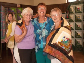 Quilt-exhibition_Gretchen,-Margaret,-Melanie,-Monika